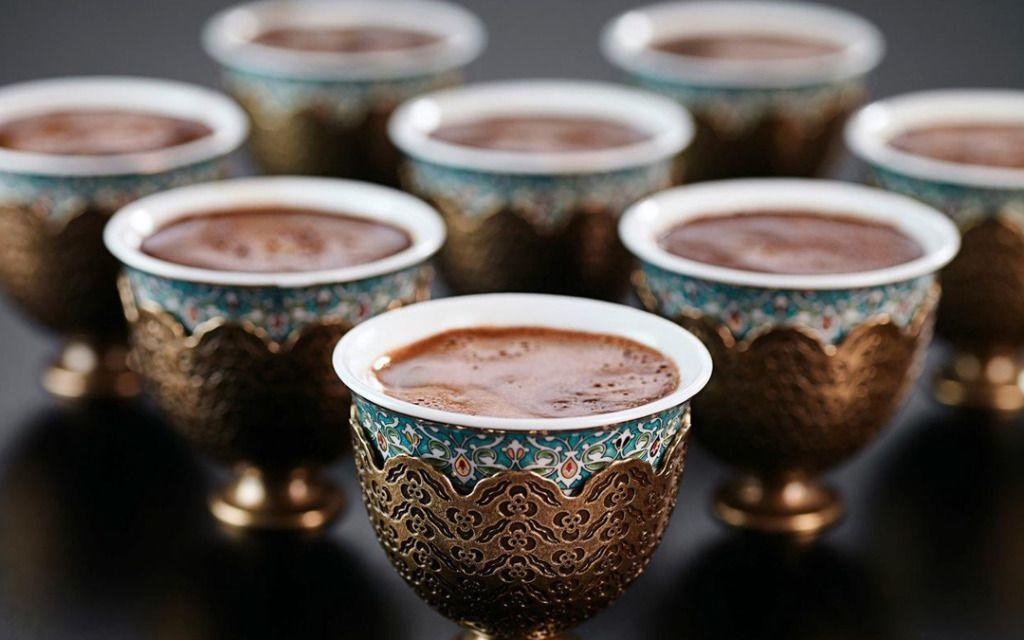 عشاق «القهوة» حول العالم